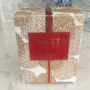 Nest Fragrances  Birchwood pine candle- New in bo